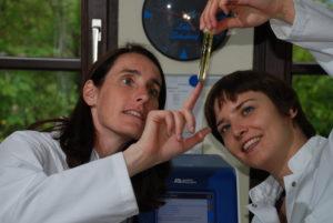 Laborkurs am Missionsärztlichen Institut Würzburg